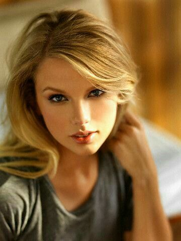 Taylor Swift, Singer & Songwriter ❤