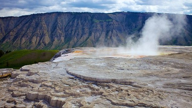 yellowstone national park | Yellowstone National Park Vacation Packages: Book Cheap Vacations ...