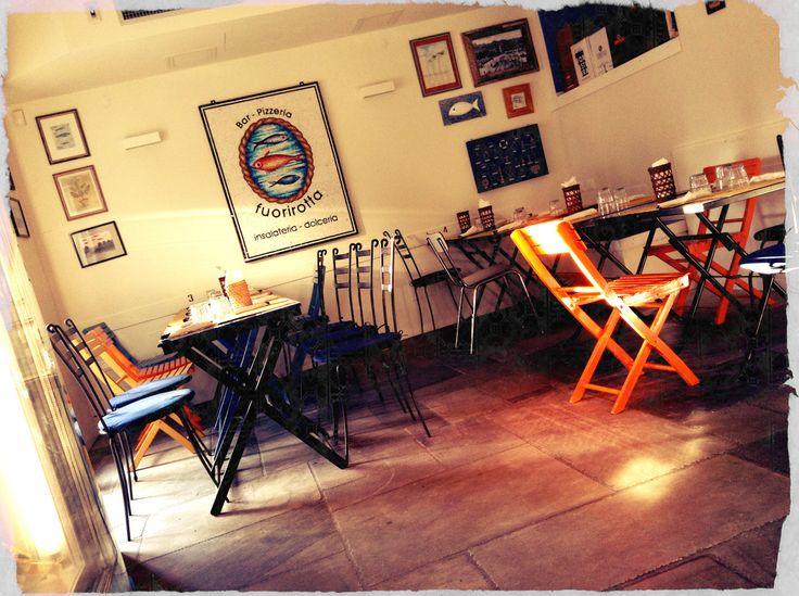 interno del locale # pizzeria fuorirotta # forte dei marmi # versilia