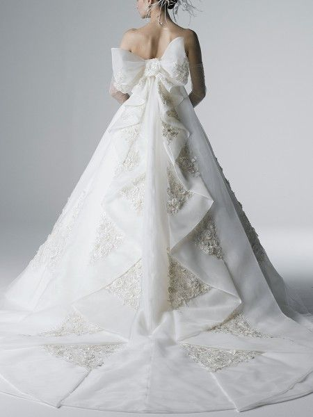 YUMI KATSURA wedding dress