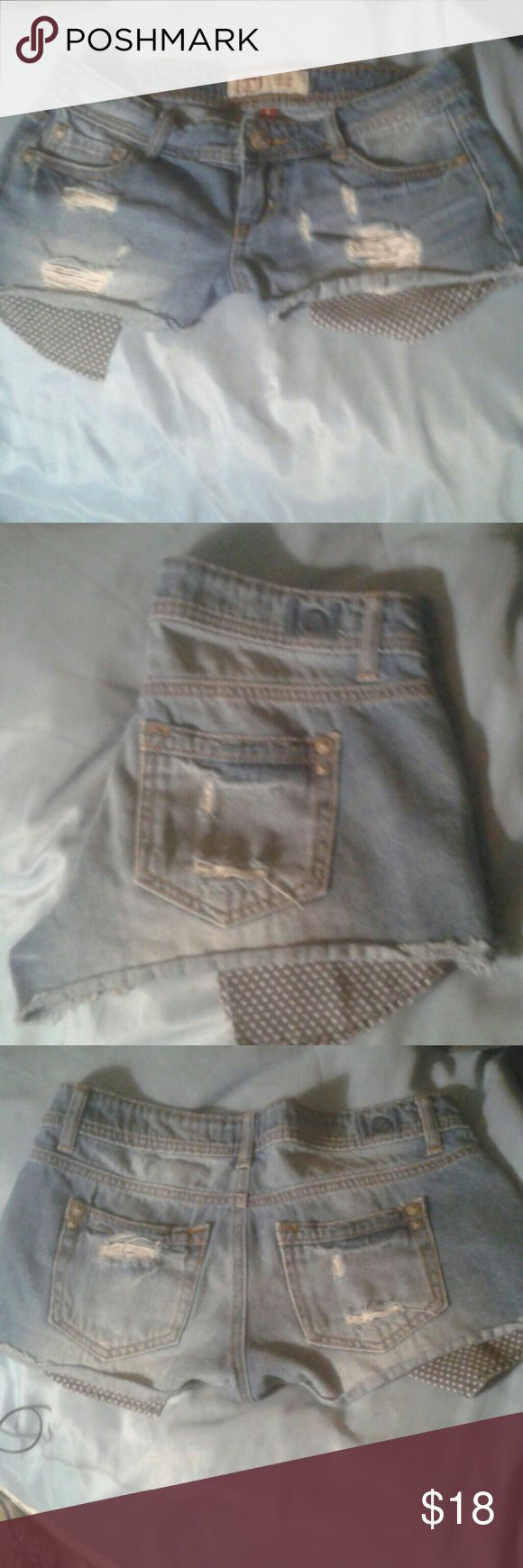LEI CUTOFF JEAN SHORTS SIZE 1 Hot, Sexy, Cutoff, Head Turning, Ripped LEI Ashley Lowrise Blue Jean Shorts Size 1. Worn once! l.e.i.  Shorts Jean Shorts