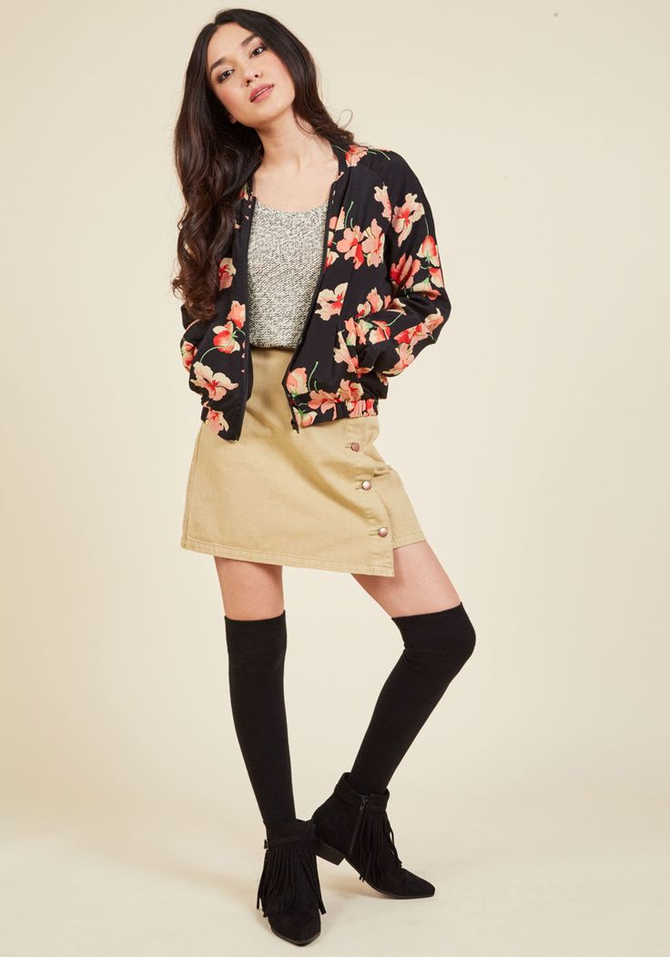 <p>Who's that gal taking the sidewalk style world by storm? Of course it's you rockin' this black bomber jacket from Emily and Fin! The hard-to-find British brand delivers its vintage-inspired look once again with this layer's pink sweet pea print, sleek pockets, and crepe fabric for a look that can't help but be noticed.</p>