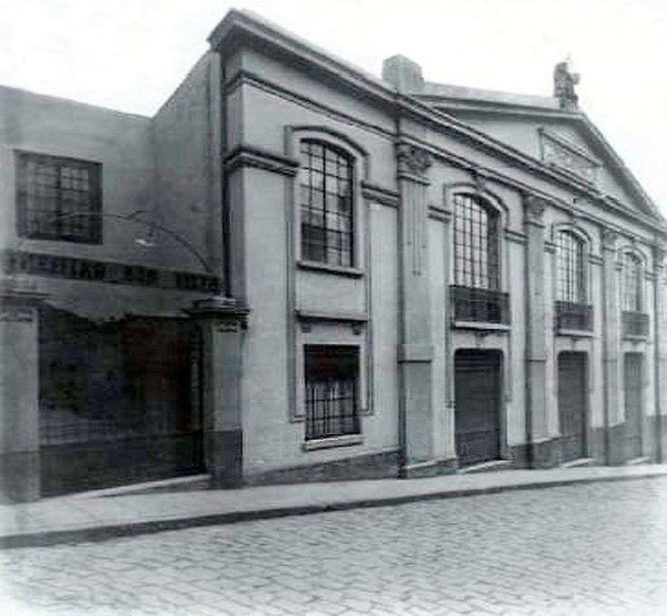 Theatro Boa Vista. Imagem da saida do teatro na Ladeira Porto Geral.