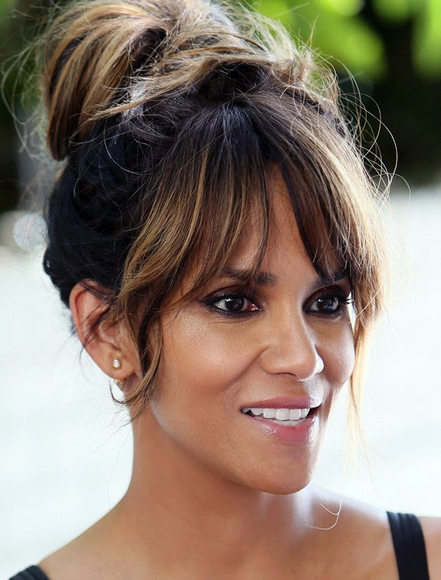 Halle Berry Uses This Facial-in-a-Box to Get Red Carpet Skin at Home