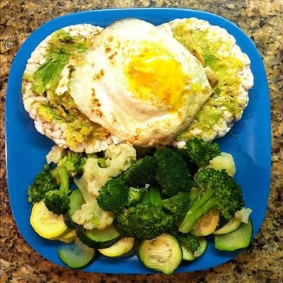 Pimp Your Rice Cake: 15 Creative Rice Cake Toppings: Brown Rice Cakes Topped with Avocado and a Runny Egg, Broccoli, Cauliflower and Squash