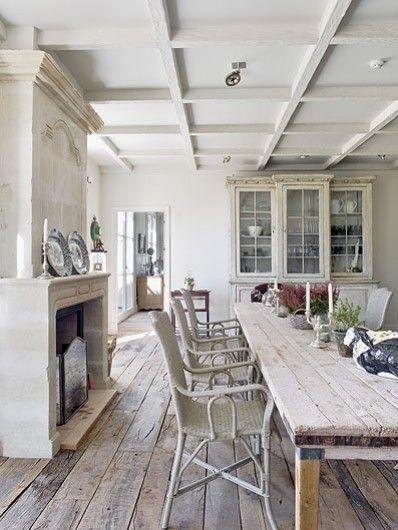 floors, long open room,