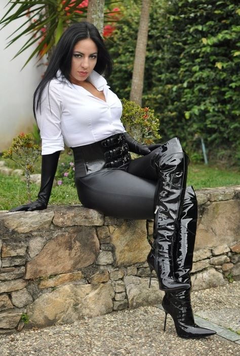 babes-in-boots-galleries-woman