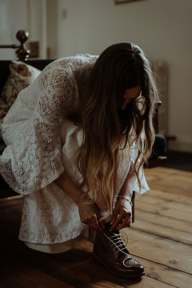 Sometimes, photos just speak for themselves. Dreamy boho bride Jen getting ready for her lochside ceremony to Cal - and yes, the rest of the wedding is just as bloody good. #TeamTWC members @thekitcheners captured this unreal day, so head over to the blog right now to see more creamy goodness!  //The Creative Alternative for Modern Couples • Find out more ->Head to the blog to find it!