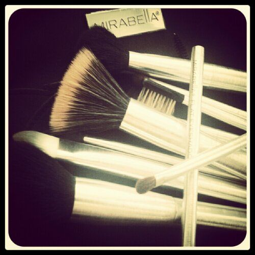 Love my mirabella brushes! Read more about my upcoming makeup courses, where you learn to how to apply smokey eyes. Learn more here http://beautybybruun.dk/?page_id=336
