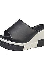 Dámské Boty PU Léto S páskem Sandály Chůze Klínový podpatek Kulatý palec Přezky pro Ležérní Bílá Černá