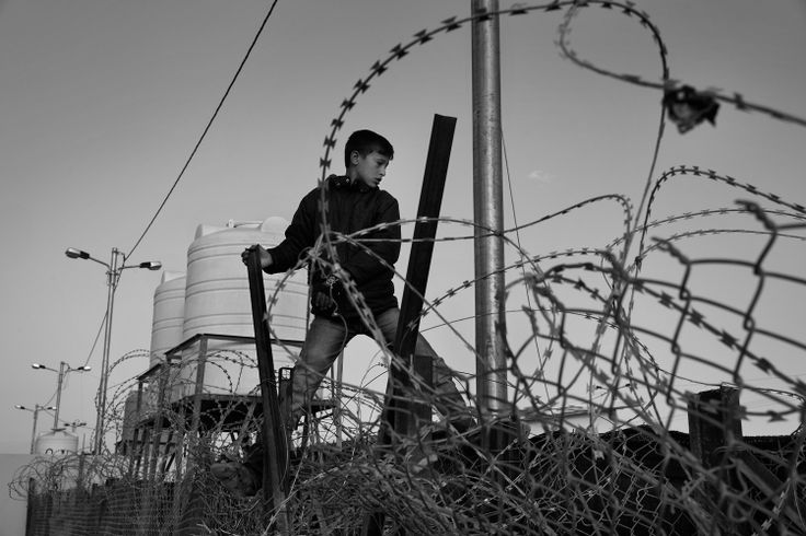 Syrian Refugees by James Nachtwey