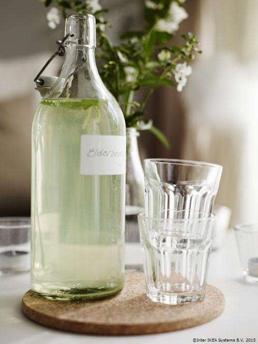 O limonadă rece poate fi ritualul tău din diminețile calde de vară. www.IKEA.ro/sticla_KORKEN