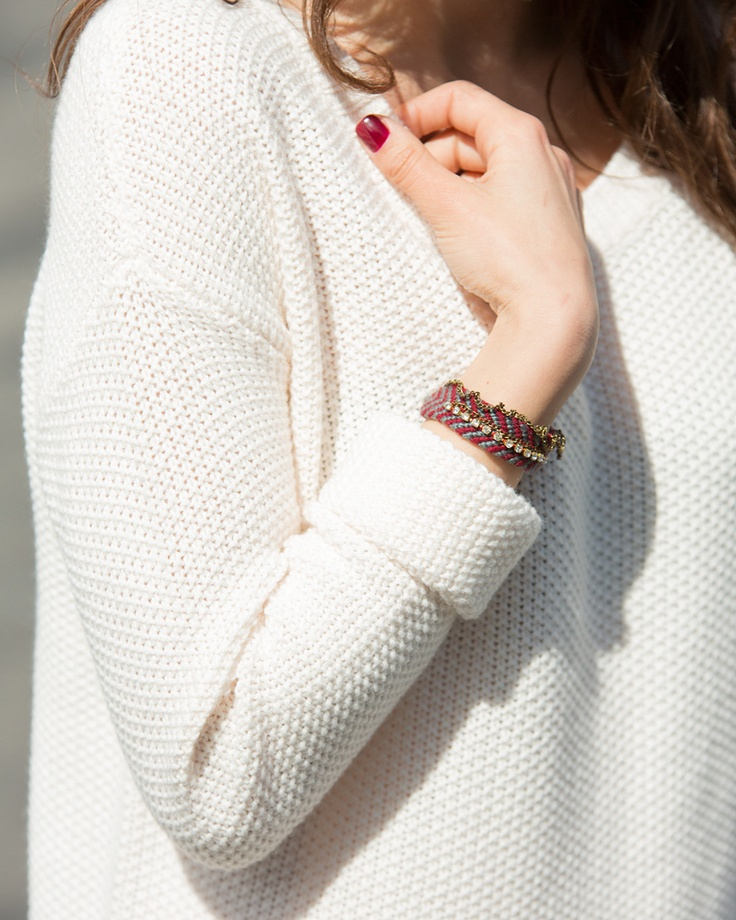 Zocalo Bracelet: White Sweaters, Bracelets Tiffany, Knits Wear, Chunky Sweaters, Autumn Wint Fashion, Zocalo Bracelets, Fashion Inspiration, Friendship Bracelets, Knits Sweaters