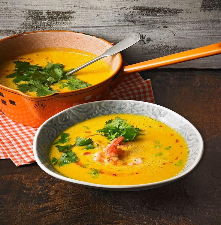 Kürbissuppe mit Kokosmilch und Garnelen