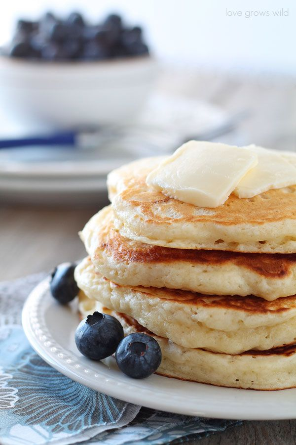 The BEST Buttermilk Pancake recipe! These pancakes are so light ...