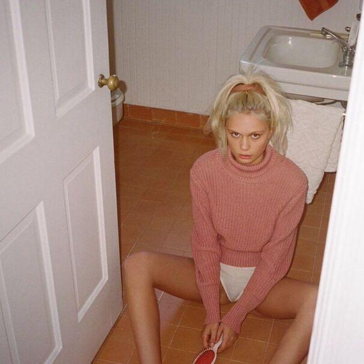 Delilah Parillo in the Rampling sweater by @purienne_ #rollasjeans by rollasjeans
