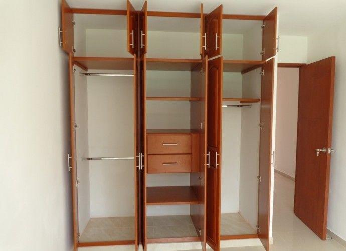 M s de 25 ideas incre bles sobre closets de madera for Closet de madera para dormitorios