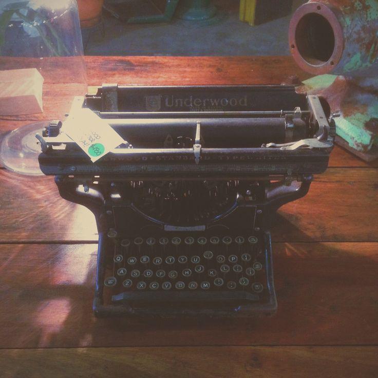 Vintage underwood typewriter, a restorers dream!
