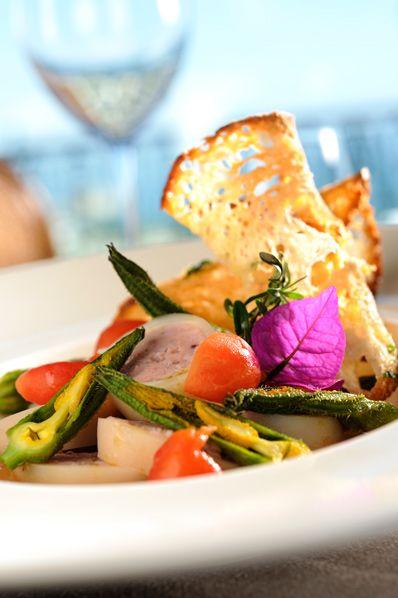 Lasciatevi tentare dalla nostra cucina dove i sapori napoletani saranno abilmente rivisitati dallo Chef Baciòt