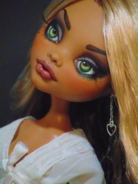 "Felicity OOAK 17"" Monster High Clawdeen Repaint Doll by Bordello 