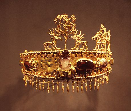 Diadem from the Khokhlach Barrow, 1st century.: Ancient Russia Museums, Ancient Jewelry, Khokhlach Barrow, Diadem, Garnet, 1St Century, Crowns Tiaras Headpieces, Hermitag Museums, Gold