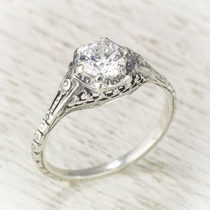 Filigree Antique Vintage Engagement Diamond Ring door spexton, $3450,00