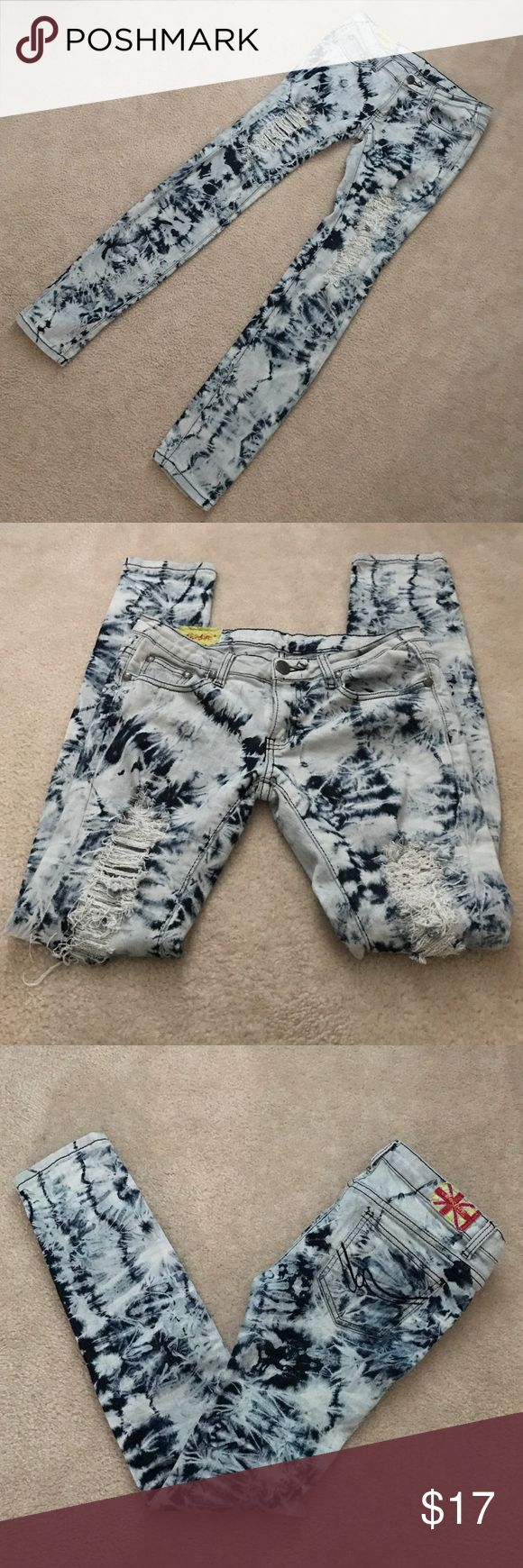 Machine Novelle Mode✨Ripped Skinny Jeans Tie dye skinny ripped. Size Italy 44, US 30. Machine Novelle Mode Jeans Skinny