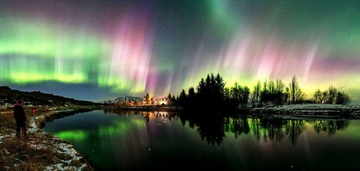 Une tempête de couleurs s'abat sur le site de Þingvellir en Islande le 17 mars avant l'aube. © Stéphane Vetter