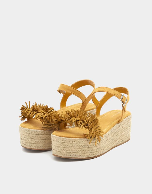 022d00ae7b7 Embellished mustard yellow jute wedges - PULL BEAR