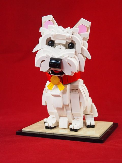 A West Highland White Terrier rendered in Lego by ccy_8086, via Flickr