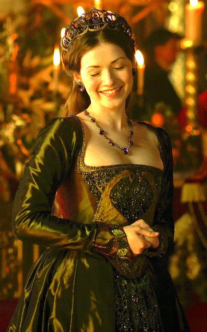 "the tudors sarah bolger dresses | Mary Tudor (portrayed by Sarah Bolger) in season 4 ""The Tudors"""