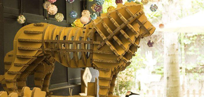 Carton King abre su segundo restaurante en territorio chino, esta vez en Shanghai, pero mantiene el mismo concepto de respeto y compromiso con el medio ambiente gracias a su estructura y su mobiliario hecho íntegramente de cartón.