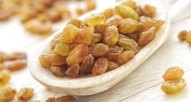 7 #healthy reasons to eat #raisins! - Raisins are also considered to be nature's healthy alternative to candies as they are extremely sweet and convenient to eat. In terms of cost too, they are cheaper as compared to other dry fruits like pistachios and cashew #nuts. #food #health