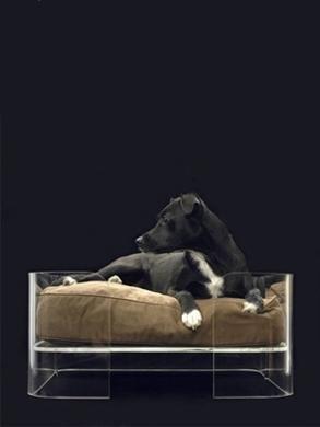 extravagant dog bed by Mija.