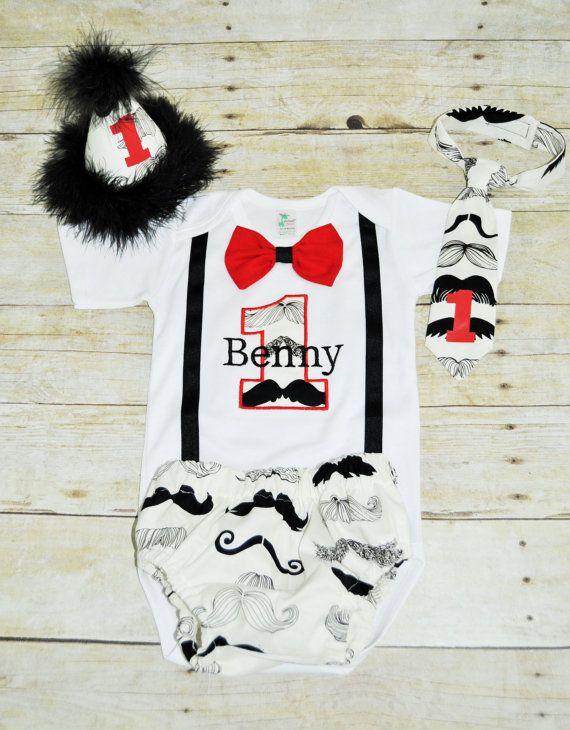 personalisierte Schnurrbart erste Geburtstag Outfit von RYLOwear