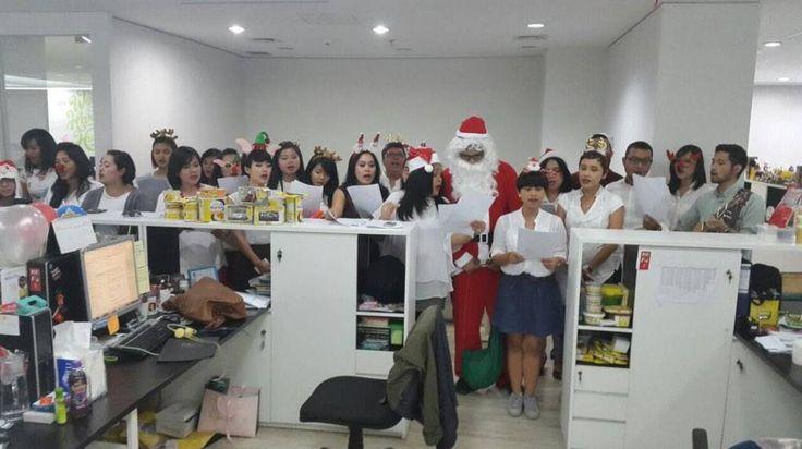 Christmas caroling at Lowe Indonesia!