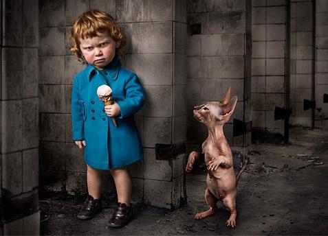 No sé que dá más miedo: el perro-rata o el nene...