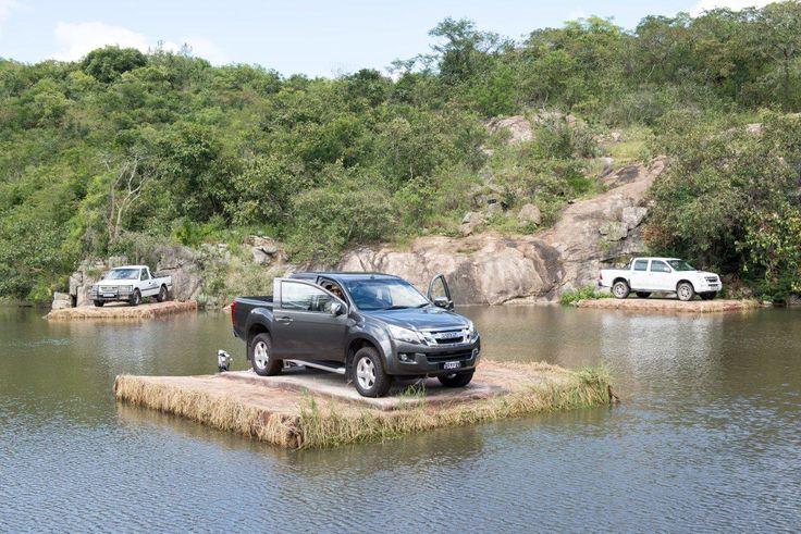 Bakkies using DOCKPRO cubes under all the grass to keep them floating (photo courtesy of 360')