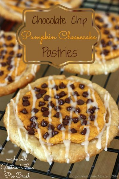 Chocolate Chip Pumpkin Cheesecake Pastries {#glutenfree option} - easy and yummy fall breakfast or dessert recipe | cupcakesandkalechips.com