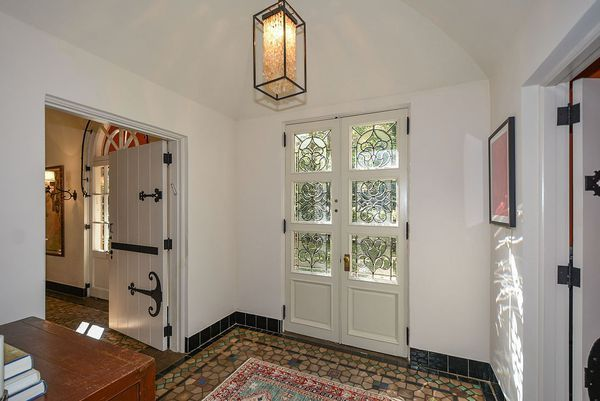 Home of Coca-Cola heiress in Druid Hills lingers for sale at $1.4M - Curbed Atlanta