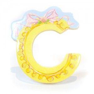 Αυτοκόλλητο γράμμα Lillifee C Αυτοκόλλητα γράμματα για παιδικό δωμάτιο. Χαρούμενα και πολύχρωμα γράμματα με την νεράιδα Lillifee για μία ξεχωριστή νότα διακόσμησης στο δωμάτιο του παιδιού! Κολλήστε τα στην πόρτα του παιδικού δωματίου, βάλτε τα σε φελλοπίνακα για ένα ξεχωριστό μήνυμα, μάθετε την αλφάβητο. Είναι γράμματα του λατινικού αλφάβητου τα οποία μπορούν να κολληθούν σε όλες τις επιφάνειες καθώς η πίσω τους όψη είναι αυτοκόλλητη. Κατασκευασμένα από χοντρό πεπιεσμένο χαρτόνι…