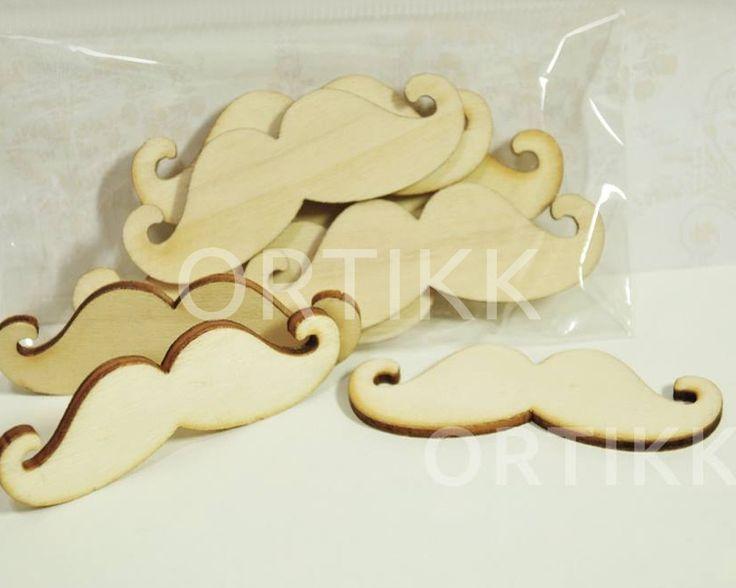 Drewniane wąsy. Świetne do mediowania, jako ozdoba na imprezę, wesele itp. #wąsy #moustache #drewniane #drewno #wood #wooden #ozdoba #dekoracja #decoration #decor #mixedmedia #raw #wedding #party #scrapbooking #decoupage #ortikk