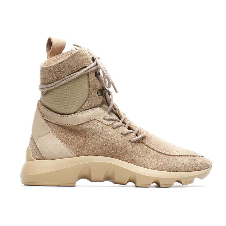 Dune-Exa boots from the F/W2016-17 Casbia collection in desert