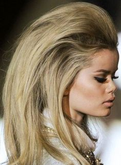 Cool Hairstyle for a Party Like in the Old Days – Backcombed Hair!
