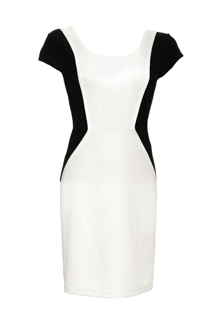 Vila dress kiara. Simple chic black and white dress. Now for sale for less then €20,-.Must have for in your closet.