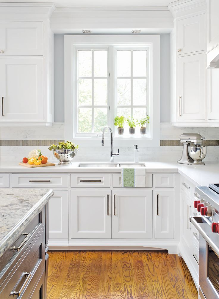 As seen on the cover of Canadian Home Trends Magazine – Kitchen & Bath Issue 2013 The Project The design of this large family kitchen has been a vision for the homeowners since visiting their favourite vacation destination, Cape Cod. The couple wanted a fresh and inviting, yet elegant and …