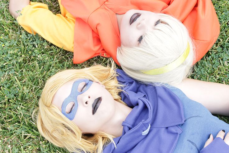 Homestuck cosplay : Roxy and Rose sleeping