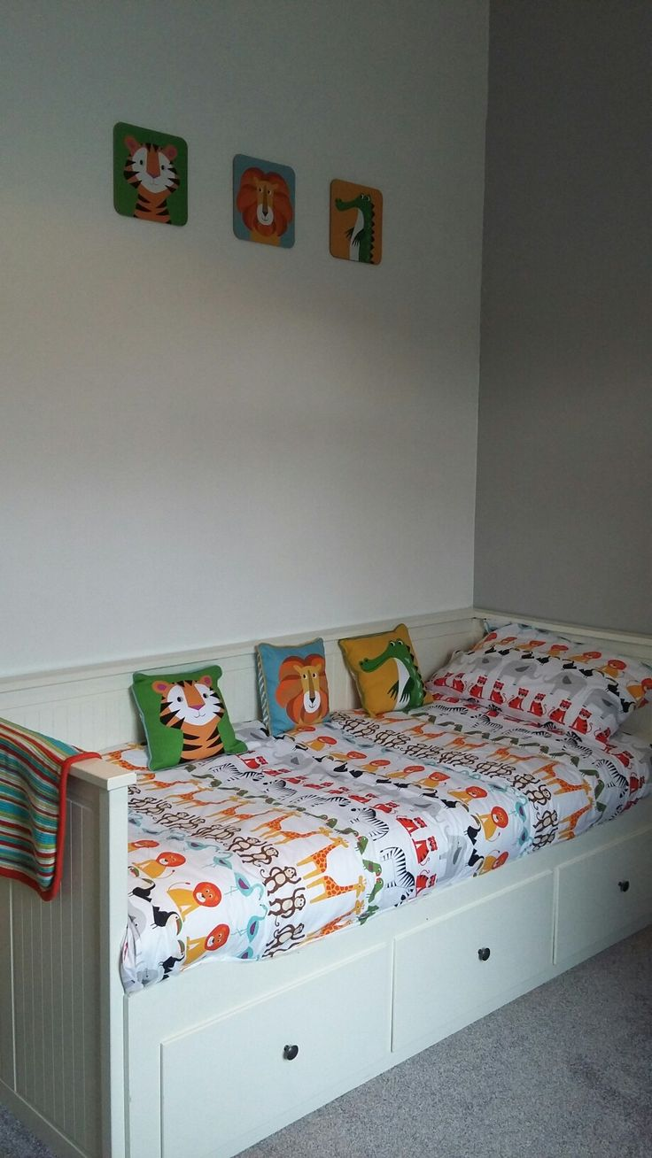 Cushions and placemats from dotcomgiftshop. Bedding set ...