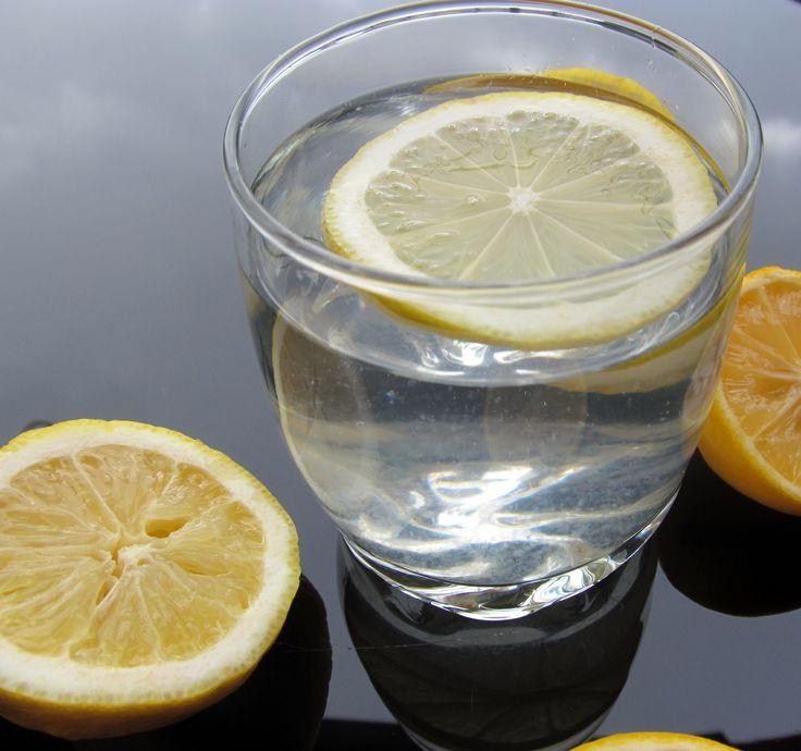 the secret of water and lemon http://carmenatelier.org/2015/01/14/un-mic-secret-apa-lamaie/