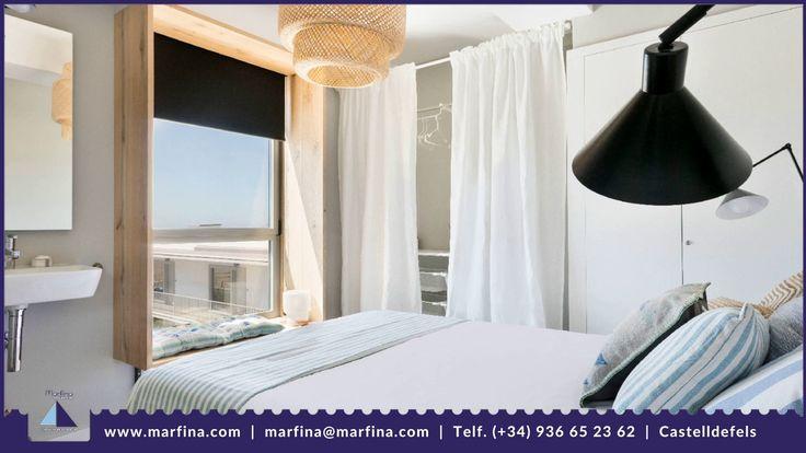 Singular estudio de diseño situado en la planta tercera del Edificio Marfina (sin ascensor) para 2 personas. Gran terraza con espectaculares vistas a la playa y al mar.  El alquiler incluye: Parking Wifi Desayuno continental y limpieza diaria.